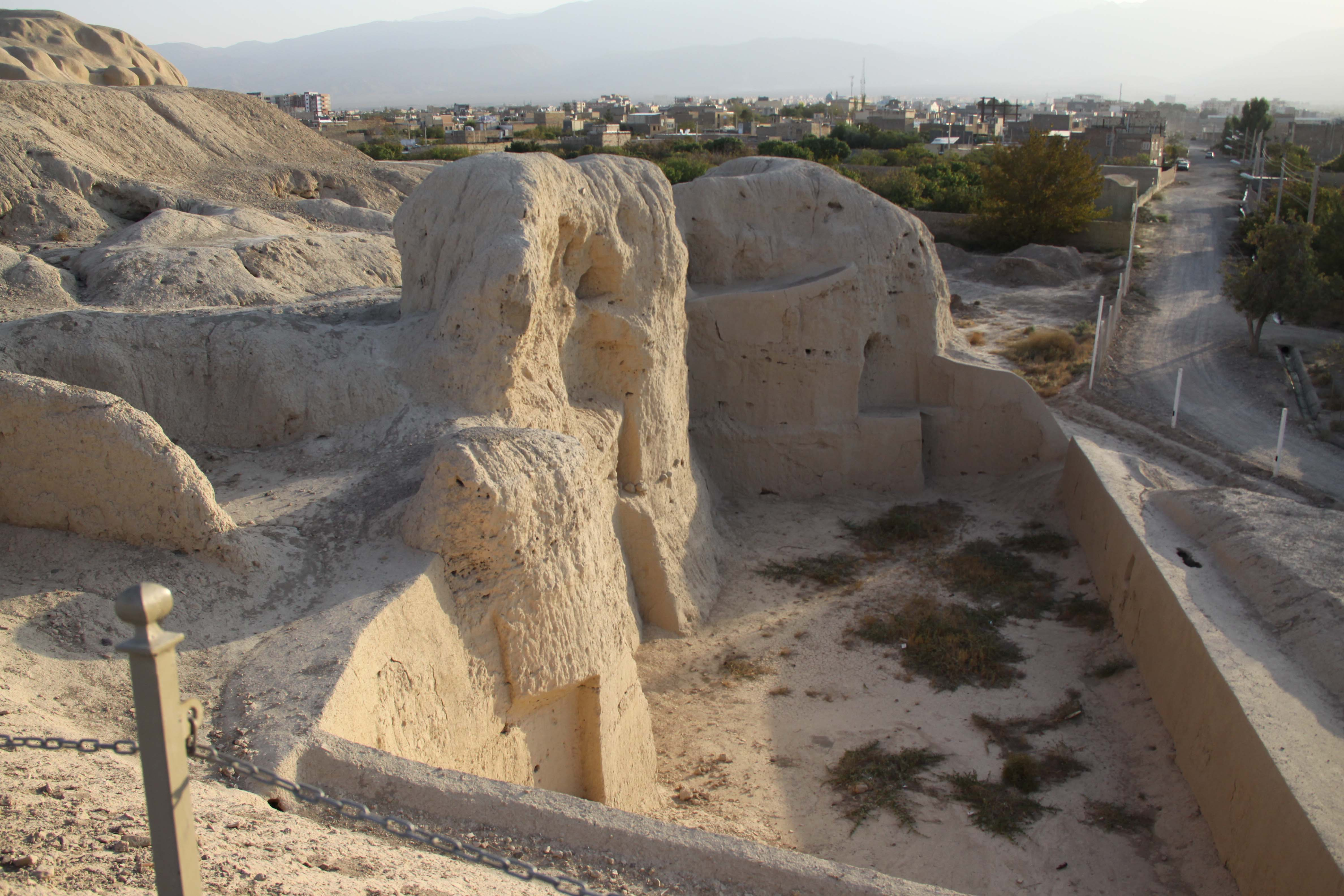 5,000 years old remains of the Tepe Sialk