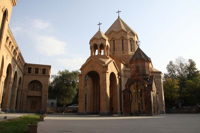 Zoravor Surp Astvatsatsin Church (1)